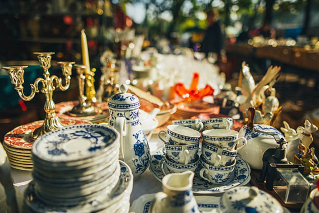 How to Move Your Art Works and Antiques Pieces - What About Antiques